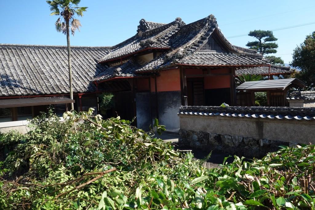 建物の右半分は、改築された部分である。